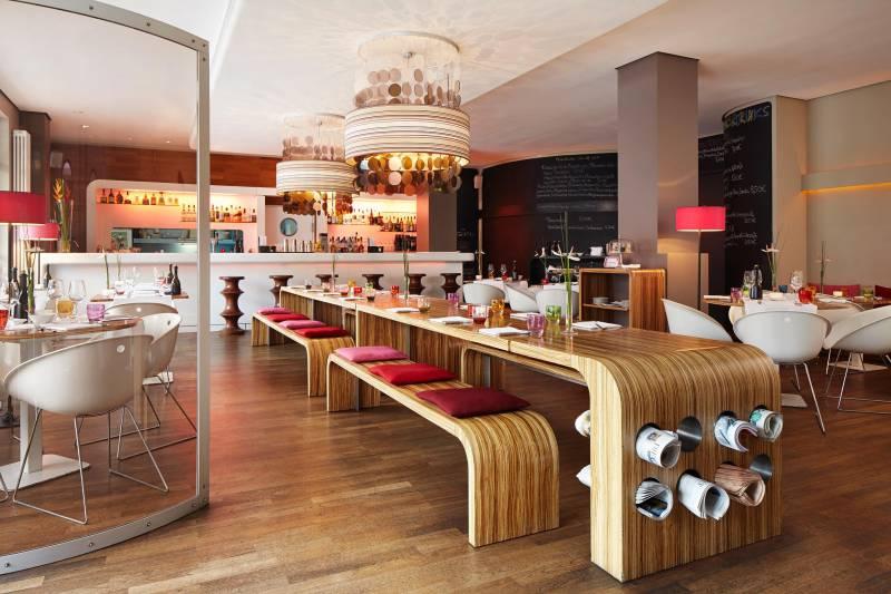 562_8_25hours_hotel_hamburg_number_one-esszimmer