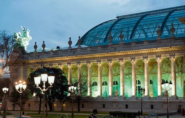 Paris finit mieux l 39 ann e et veut croire en un rebond en 2017 hr infos - Expo le grand palais ...